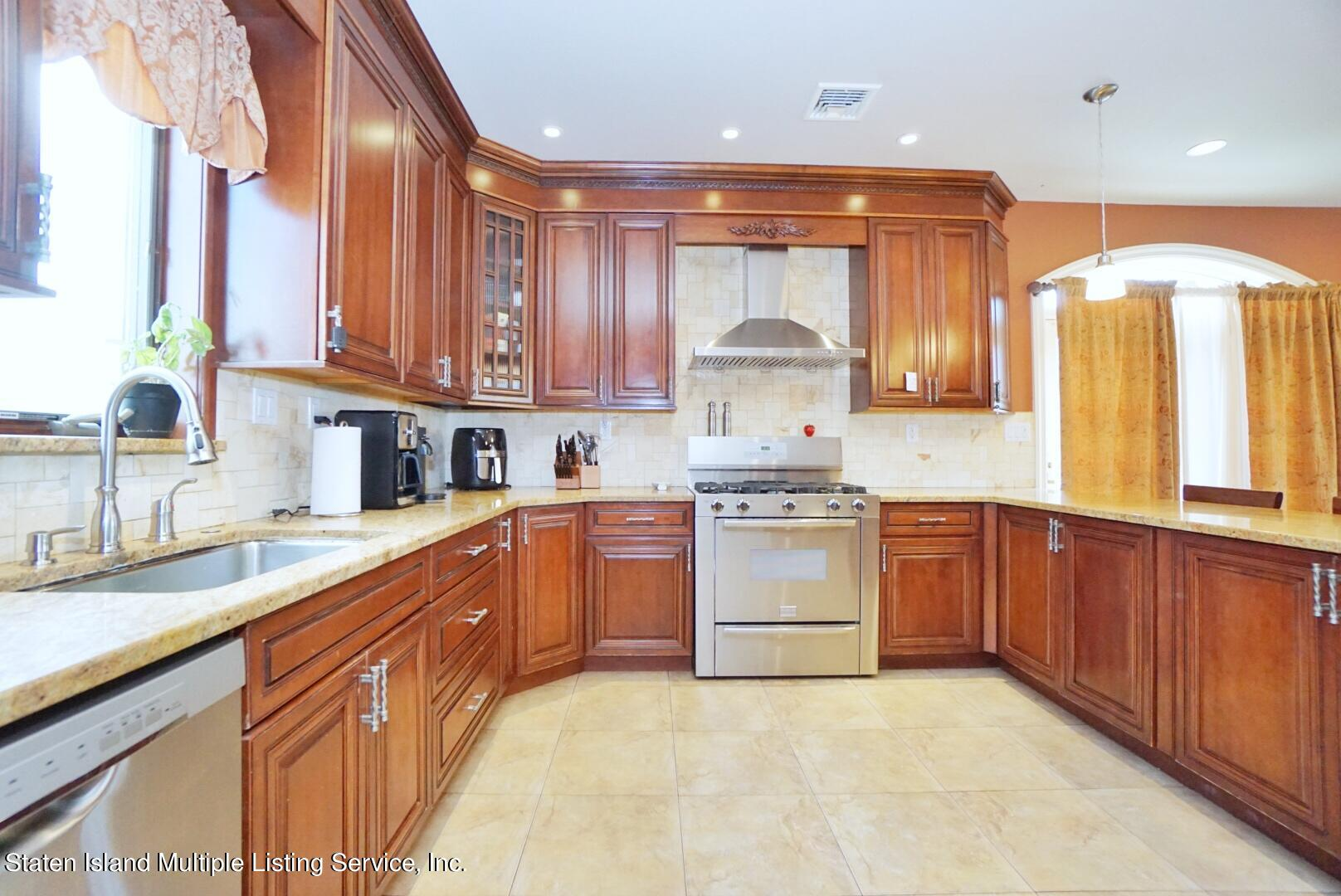 Single Family - Detached 206 Ramapo Avenue  Staten Island, NY 10309, MLS-1147193-14