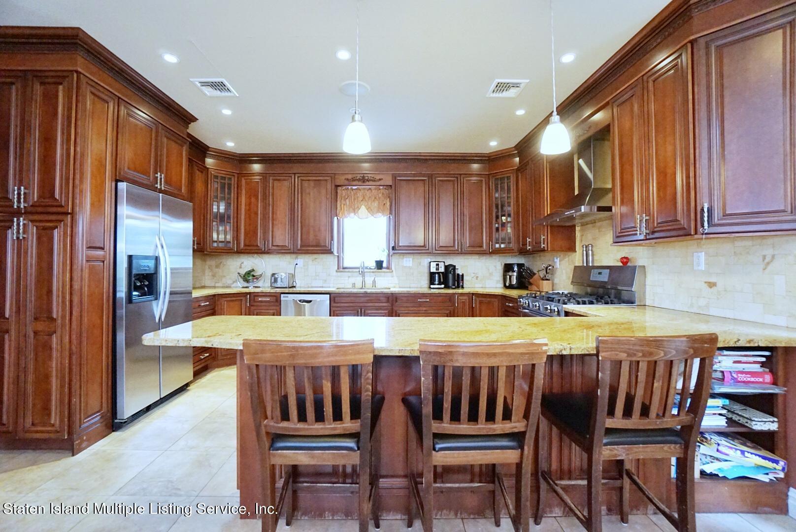 Single Family - Detached 206 Ramapo Avenue  Staten Island, NY 10309, MLS-1147193-16
