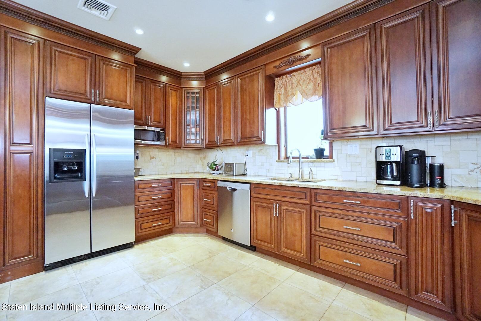 Single Family - Detached 206 Ramapo Avenue  Staten Island, NY 10309, MLS-1147193-13