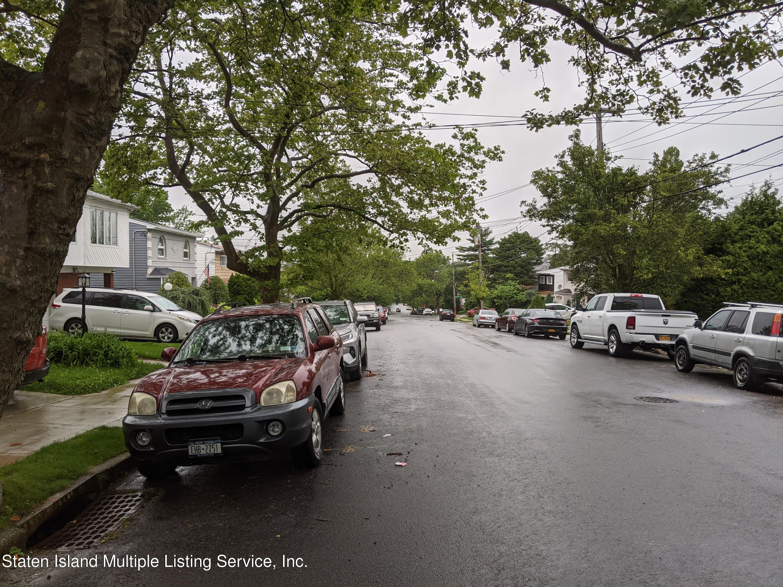 Single Family - Detached 484 Mountainview Avenue  Staten Island, NY 10314, MLS-1147175-12