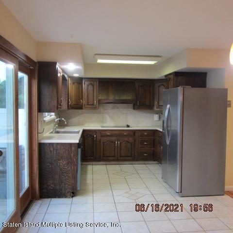 Single Family - Detached 403 Edgegrove Avenue  Staten Island, NY 10312, MLS-1147325-11