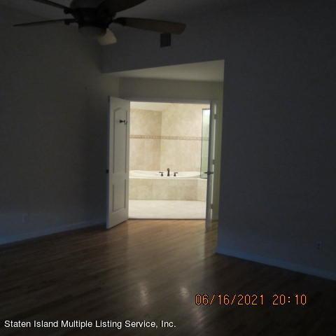 Single Family - Detached 403 Edgegrove Avenue  Staten Island, NY 10312, MLS-1147325-33