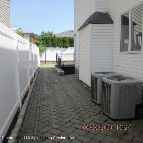 Single Family - Detached 403 Edgegrove Avenue  Staten Island, NY 10312, MLS-1147325-48