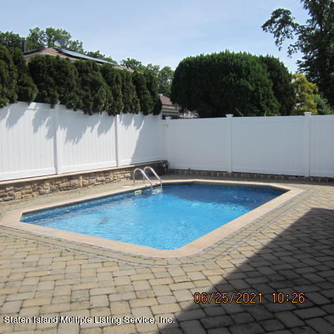 Single Family - Detached 403 Edgegrove Avenue  Staten Island, NY 10312, MLS-1147325-50