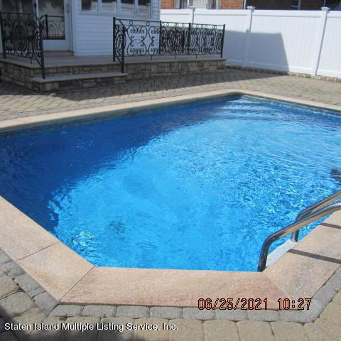 Single Family - Detached 403 Edgegrove Avenue  Staten Island, NY 10312, MLS-1147325-54