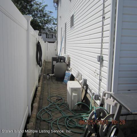 Single Family - Detached 403 Edgegrove Avenue  Staten Island, NY 10312, MLS-1147325-57