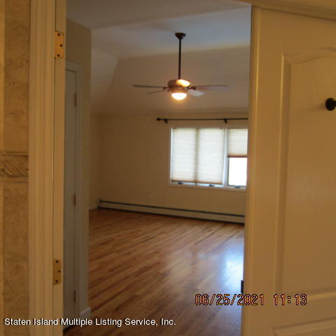 Single Family - Detached 403 Edgegrove Avenue  Staten Island, NY 10312, MLS-1147325-28