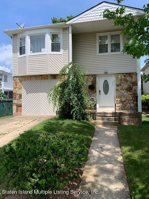 Two Family - Detached in Willowbrook - 953 Westwood Avenue  Staten Island, NY 10314