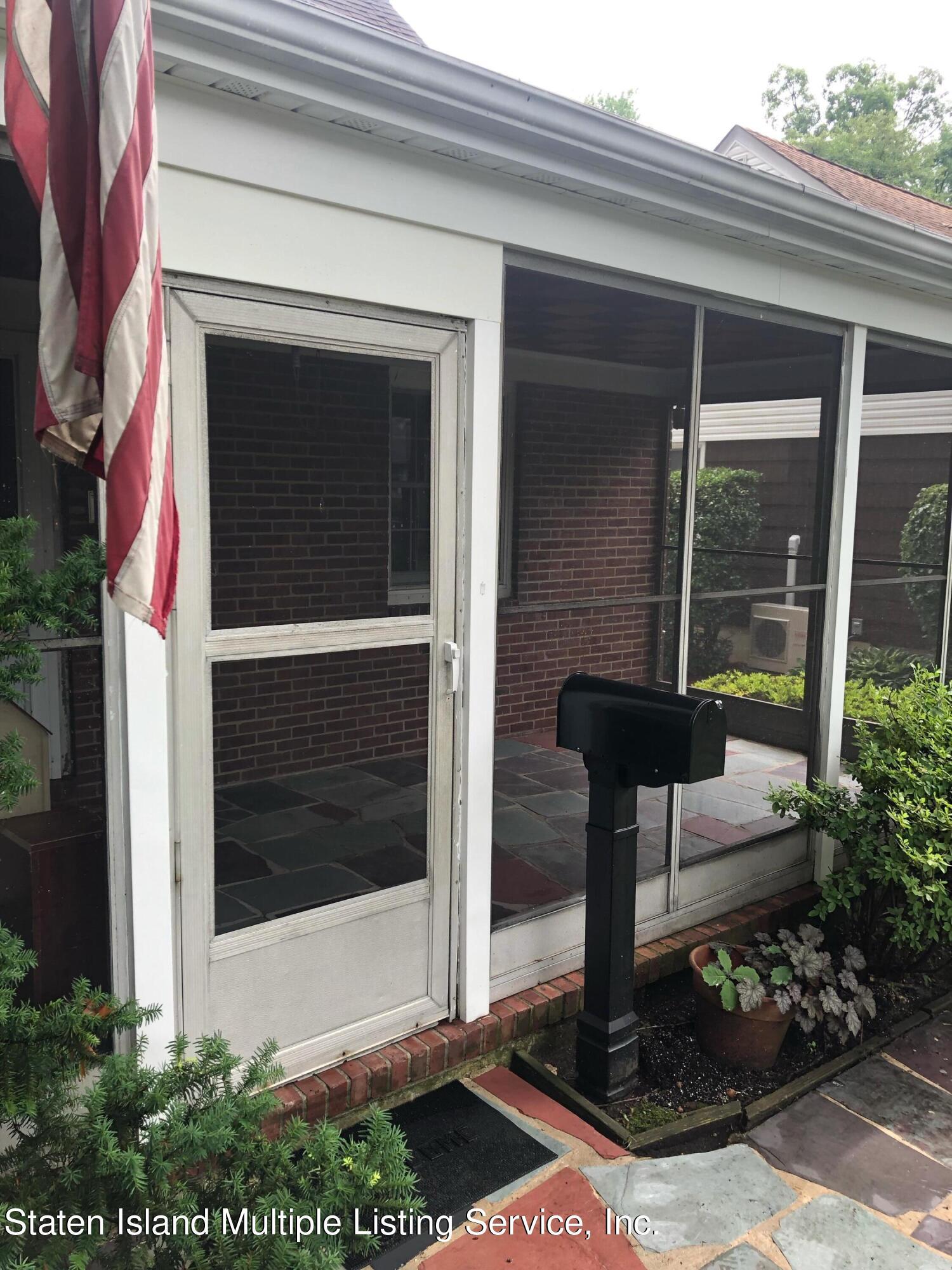 Single Family - Detached in Great Kills - 88 Howton Avenue  Staten Island, NY 10308