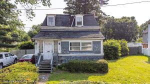 409 Clove Road, Staten Island, NY 10310