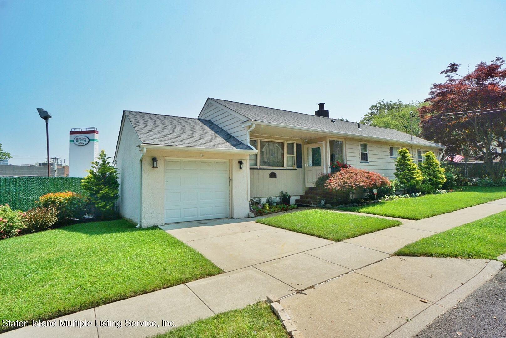 Single Family - Detached in Sunset Hill - 29 City Boulevard  Staten Island, NY 10301