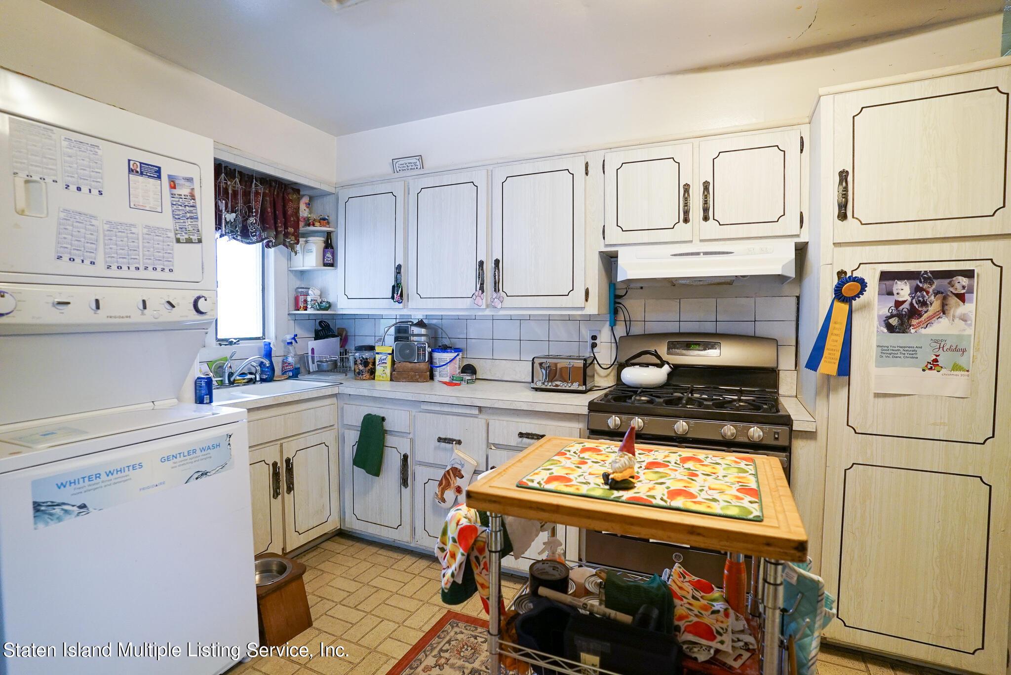 Single Family - Detached 121 Parkinson Avenue  Staten Island, NY 10305, MLS-1147747-13