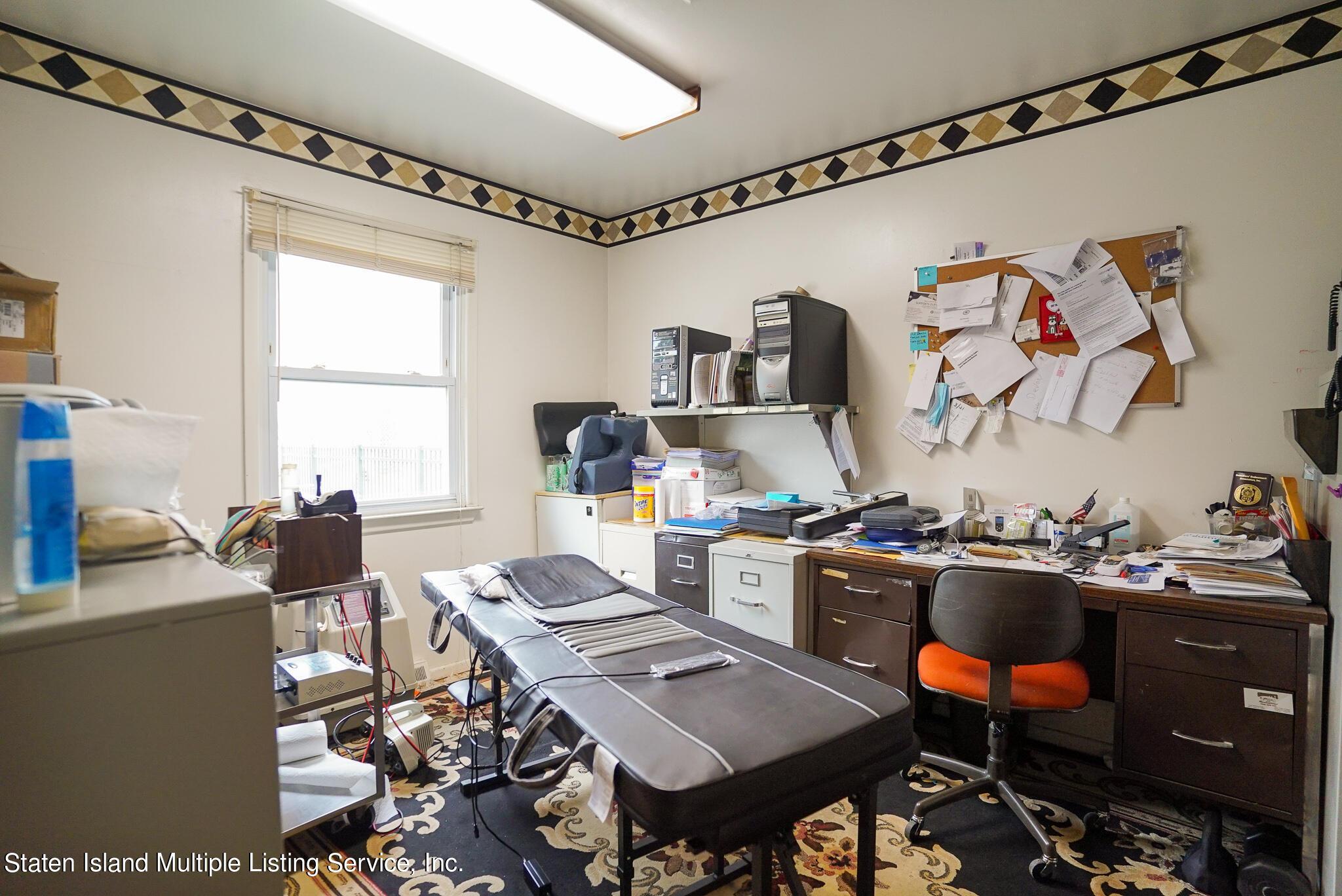 Single Family - Detached 121 Parkinson Avenue  Staten Island, NY 10305, MLS-1147747-20