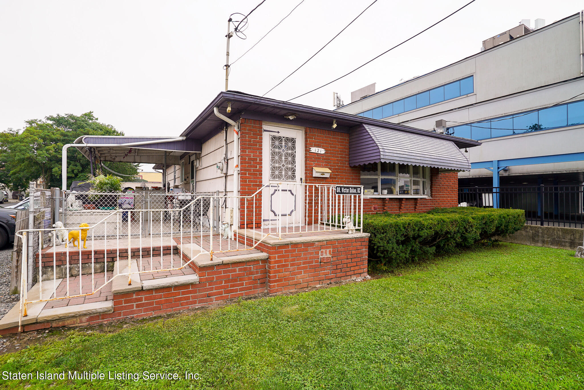 Single Family - Detached in Old Town - 121 Parkinson Avenue  Staten Island, NY 10305