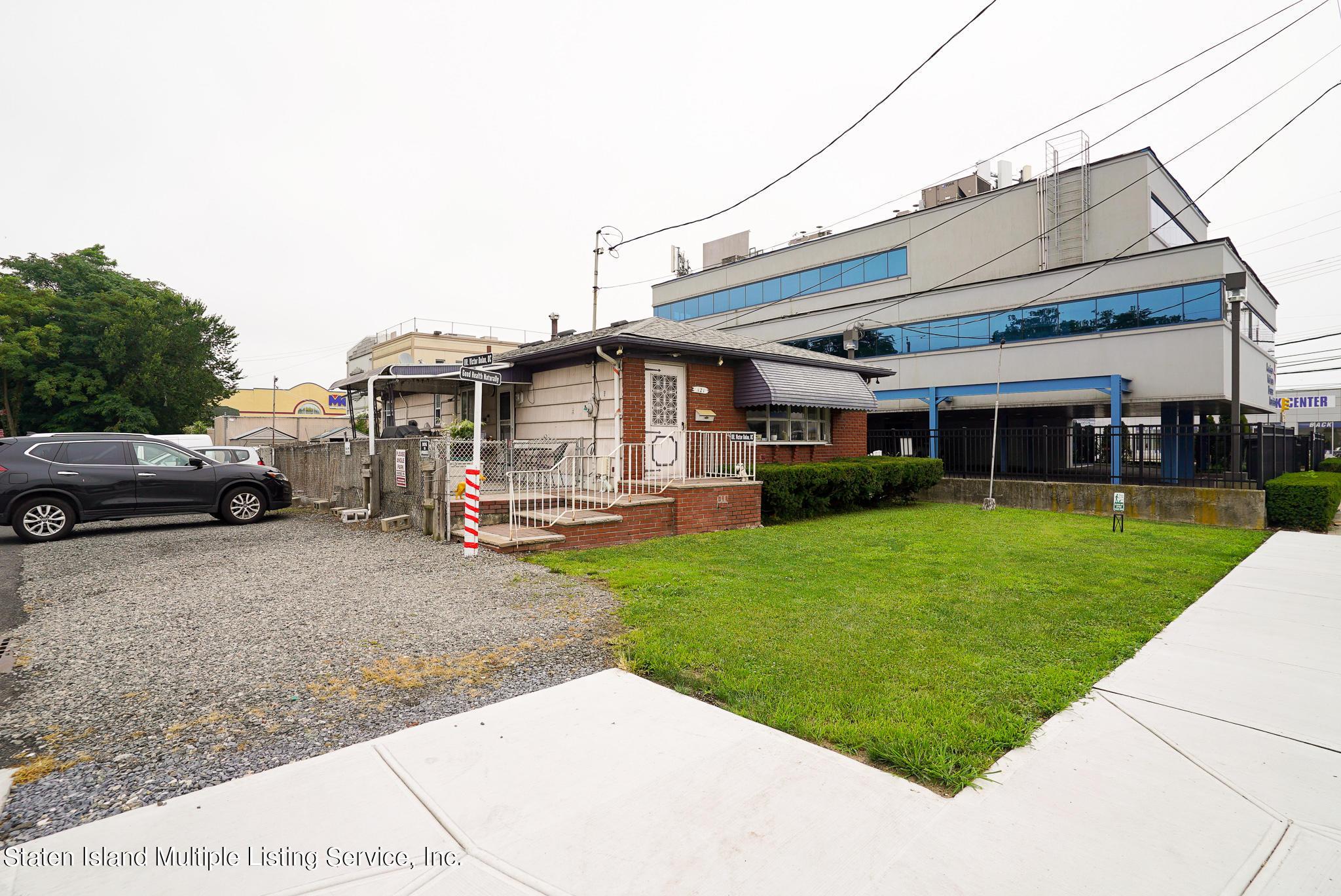 Single Family - Detached 121 Parkinson Avenue  Staten Island, NY 10305, MLS-1147747-5