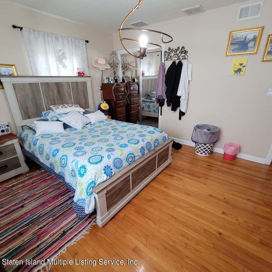 Single Family - Detached 180 Jefferson Avenue  Staten Island, NY 10306, MLS-1147797-24