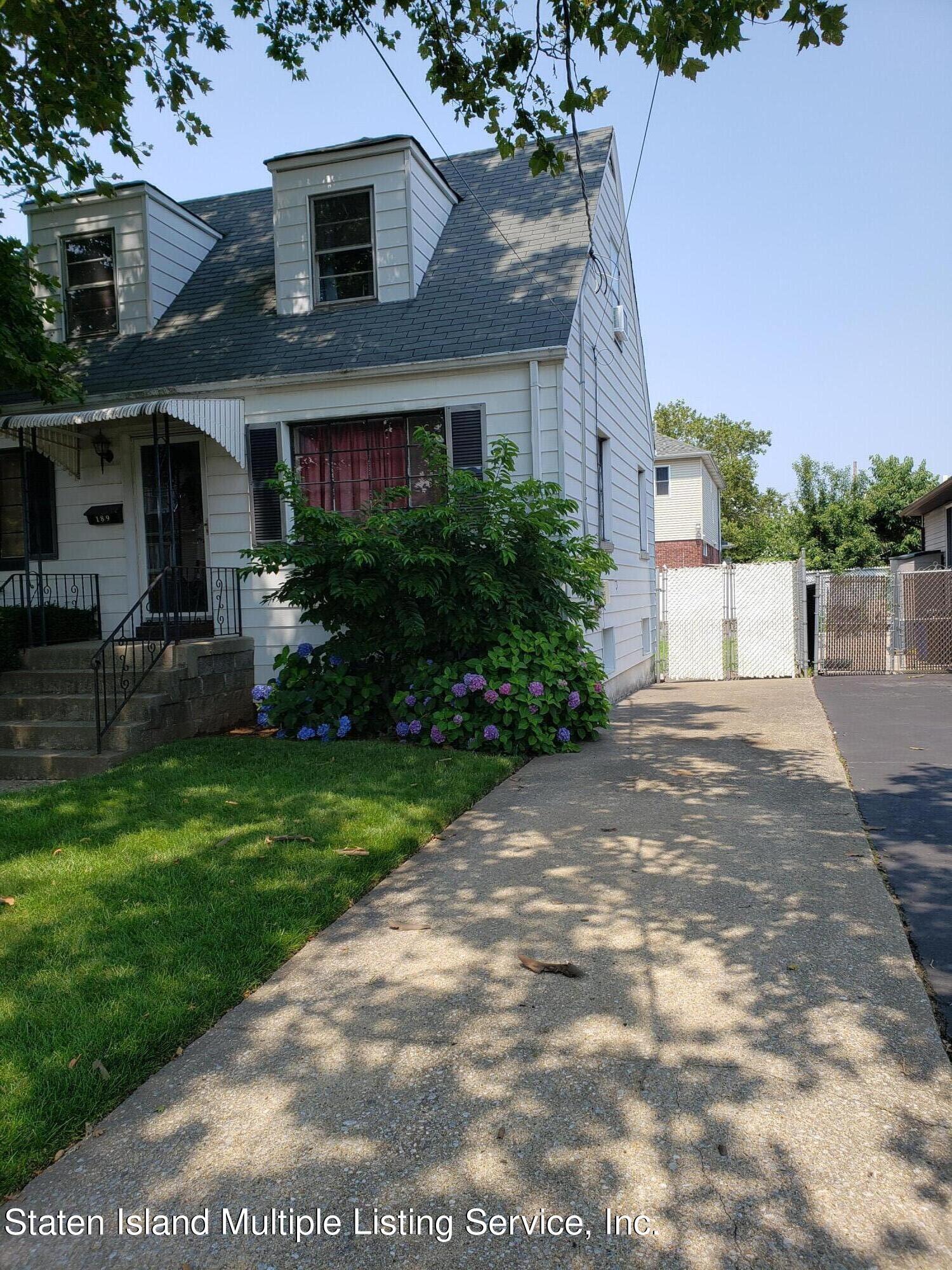 Single Family - Detached 189 Adams Avenue   Staten Island, NY 10306, MLS-1147827-2