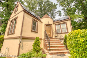 101 Rugby Avenue, Staten Island, NY 10301