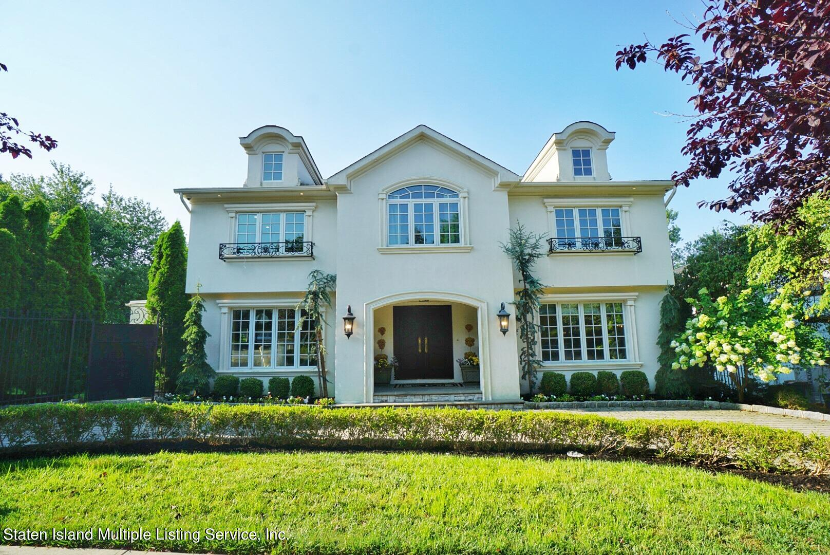 Single Family - Detached in Lower Todt Hill - 116 Fine Blvd   Staten Island, NY 10314