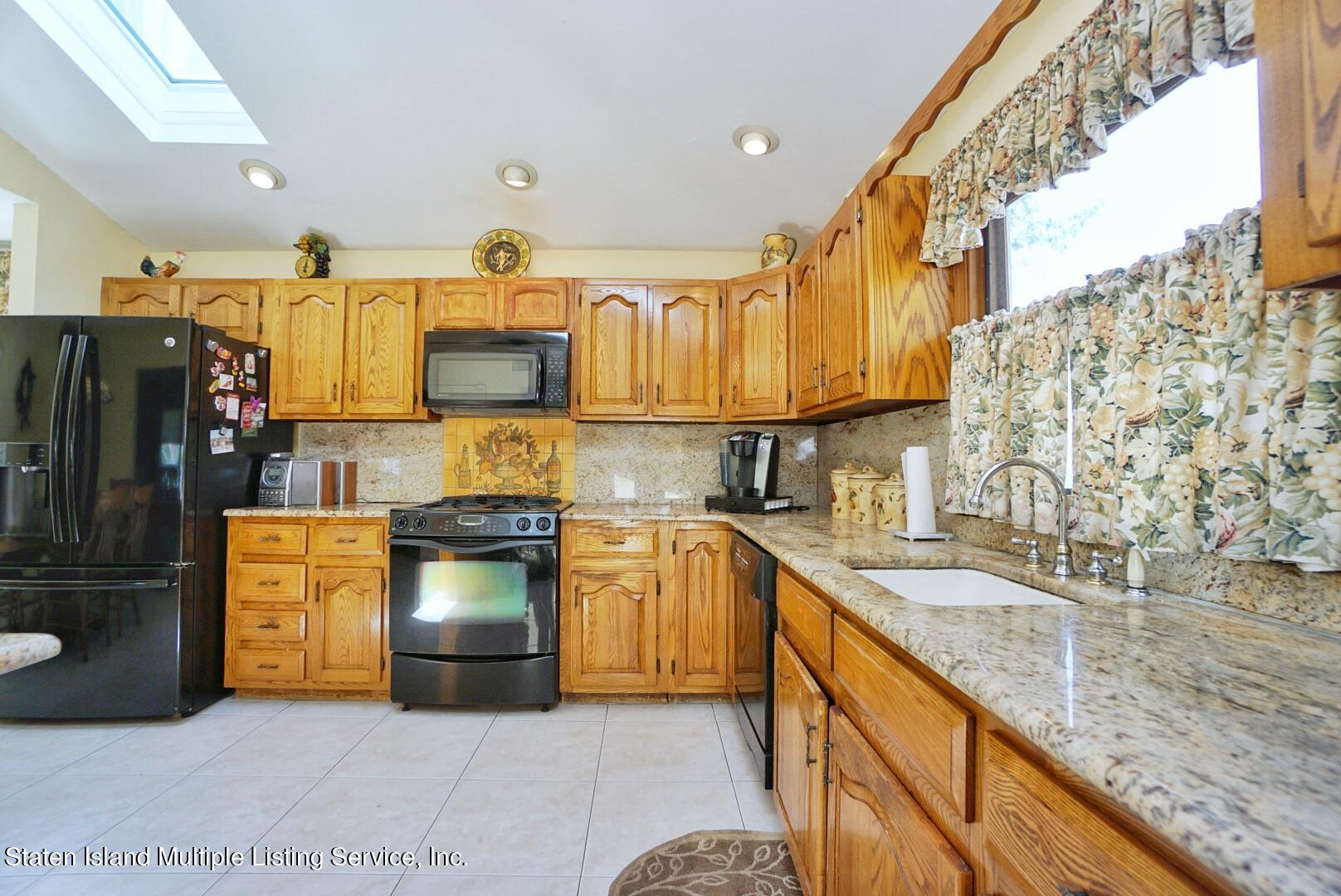Two Family - Detached 524 Lamont Avenue  Staten Island, NY 10312, MLS-1148319-25
