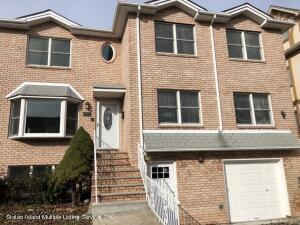 26 Fairway Lane, Staten Island, NY 10301