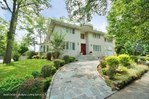 2 FAMILY SOLID BRICK DETACH HOME W/2 CAR GARAGE & 1 BEDRM APT ON THE 2ND FLOOR-PLUS FULL FIN BASEMENT WITH BATH- PROTECTED PARK LAND ACROSS THE STREET FROM YOU-OCEAN VIEW FROM 2ND & 3RD FLOORS- BUILDERS OWN HOME- SOLID BRICK-CORNER PROPERTY