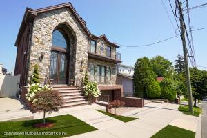 215 Saint Johns Avenue, Staten Island, NY 10305