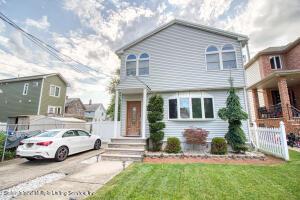 22 Van Wyck Avenue, Staten Island, NY 10309