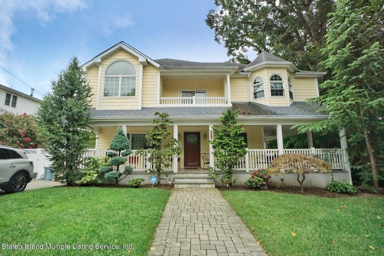 Single Family - Detached in Annadale - 578 Drumgoole Road  Staten Island, NY 10312