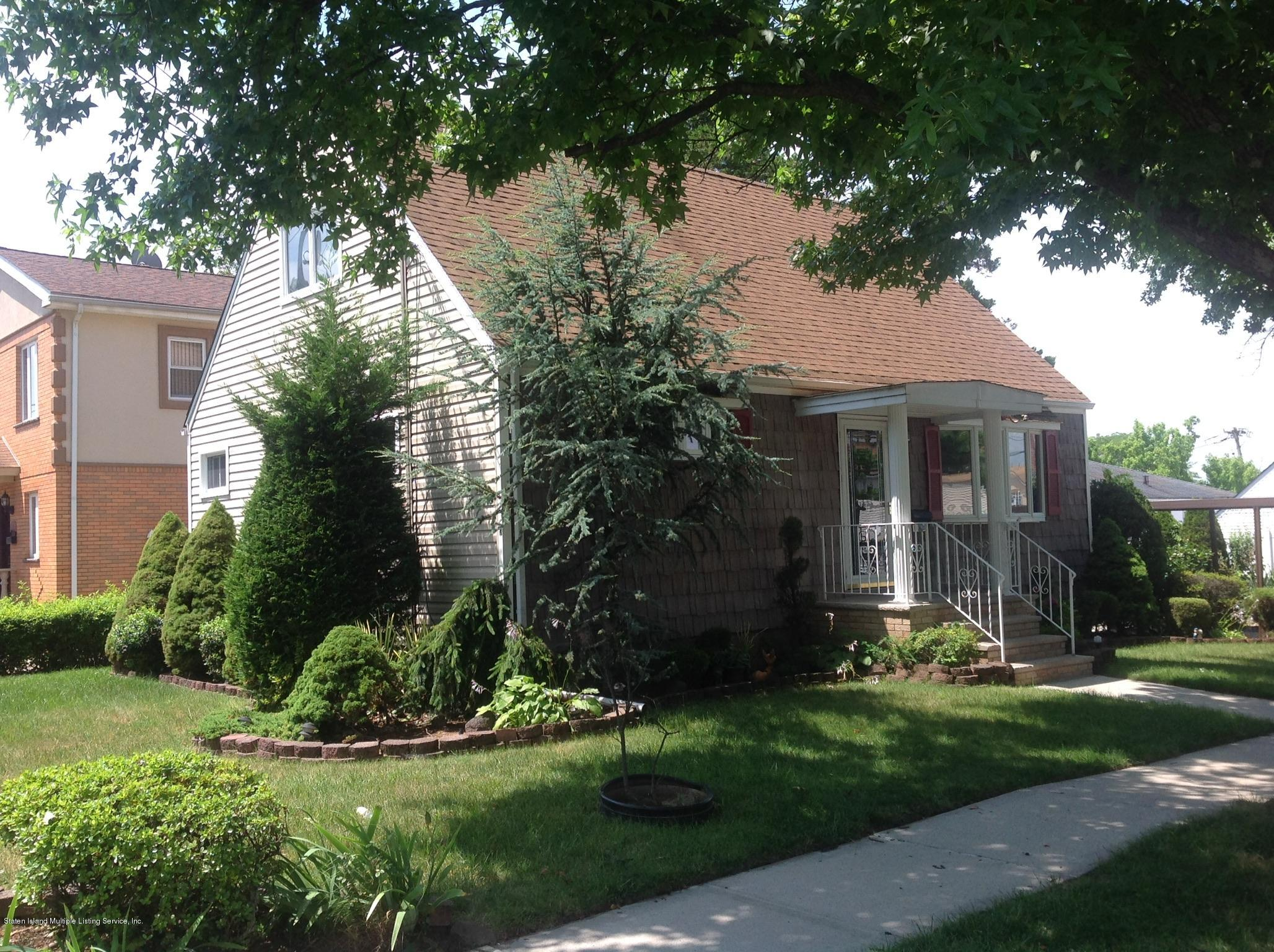 Single Family - Detached 28 Queen Street  Staten Island, NY 10314, MLS-1148779-2