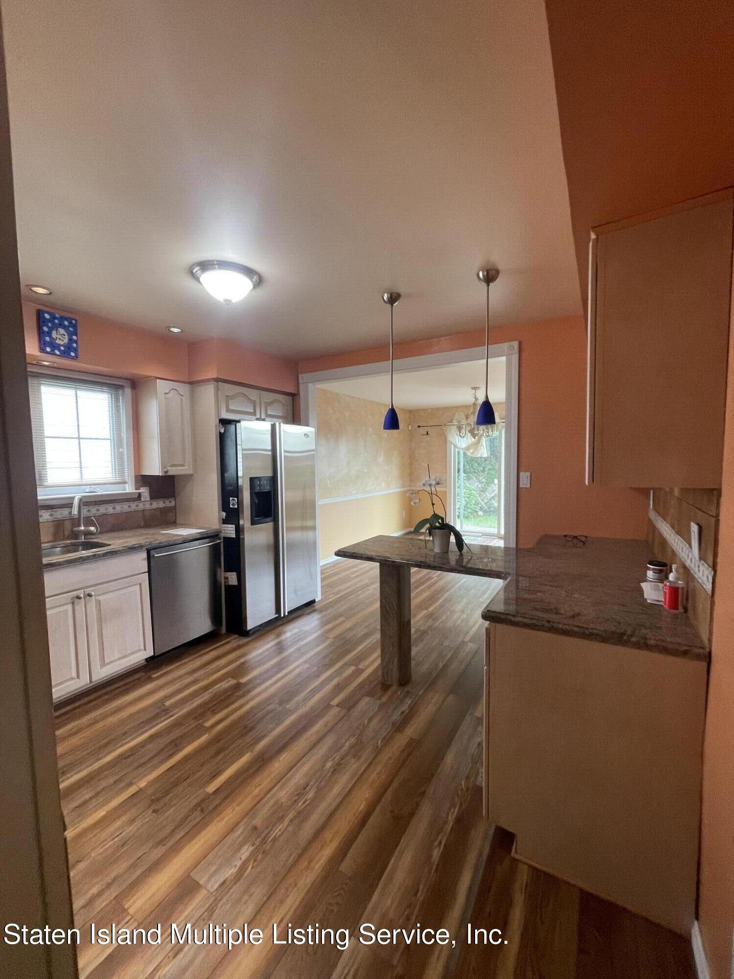 Single Family - Detached 484 Mountainview Avenue  Staten Island, NY 10314, MLS-1147175-6