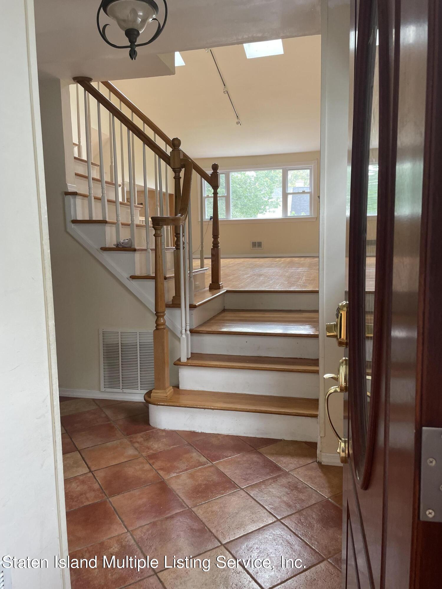 Single Family - Detached 484 Mountainview Avenue  Staten Island, NY 10314, MLS-1147175-46