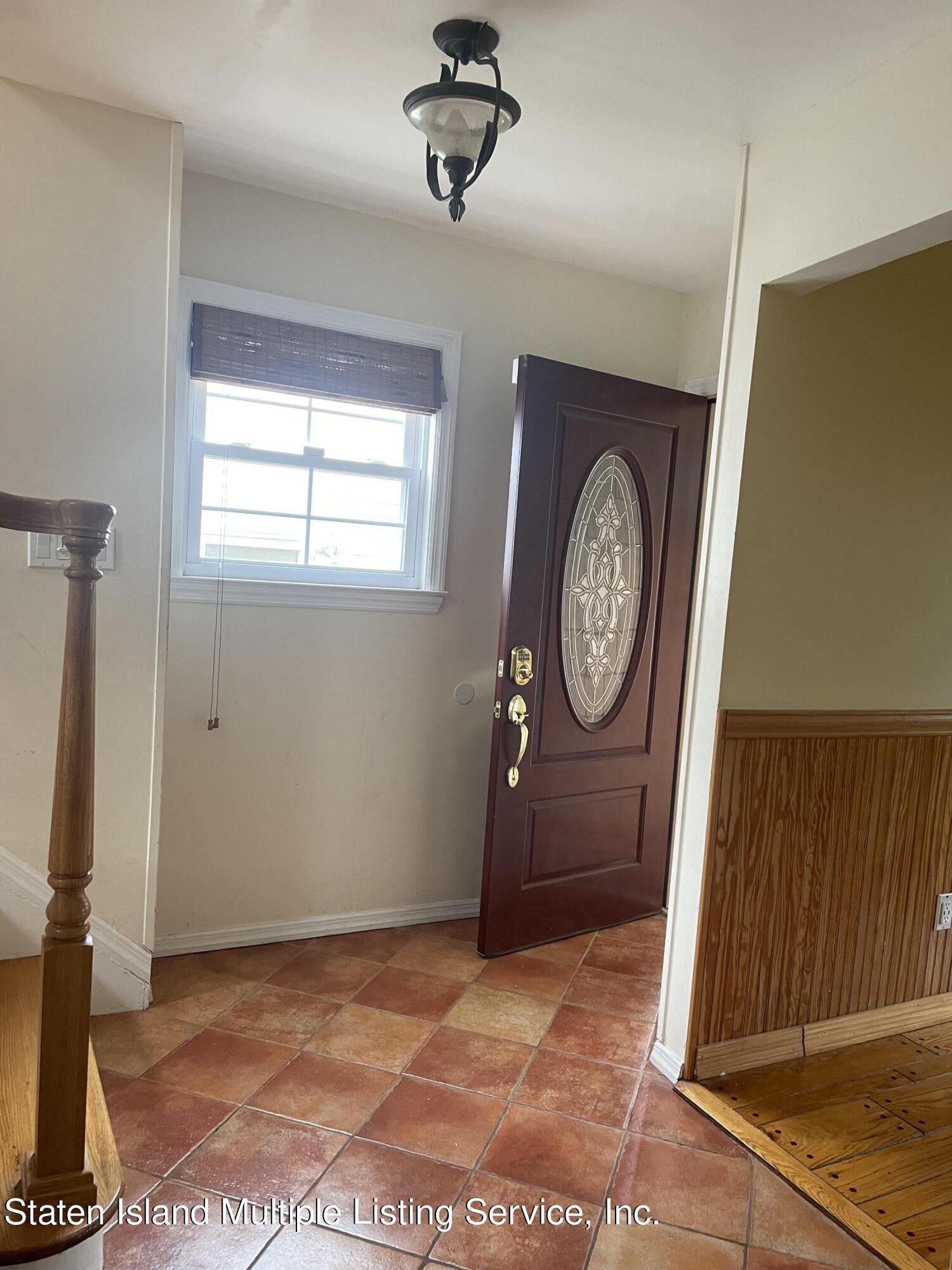 Single Family - Detached 484 Mountainview Avenue  Staten Island, NY 10314, MLS-1147175-48