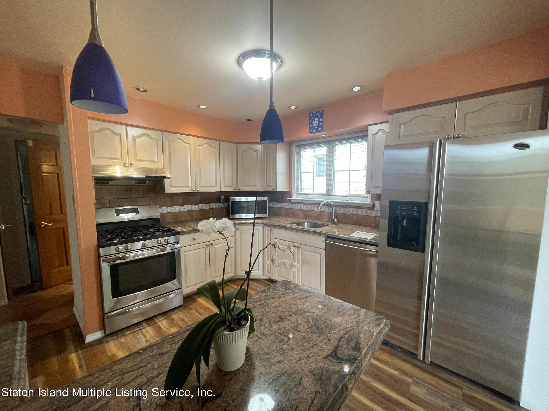 Single Family - Detached 484 Mountainview Avenue  Staten Island, NY 10314, MLS-1147175-8