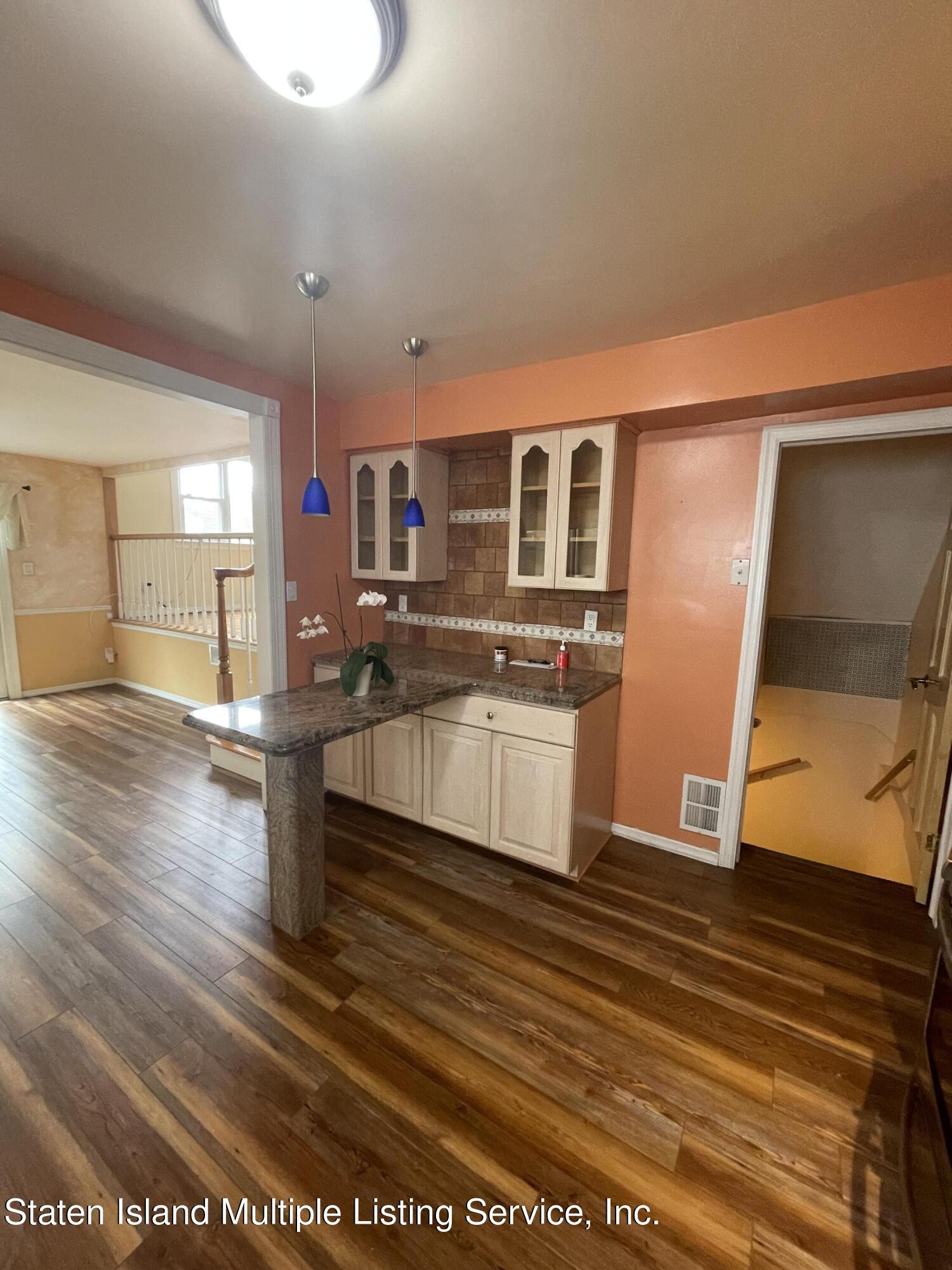 Single Family - Detached 484 Mountainview Avenue  Staten Island, NY 10314, MLS-1147175-51