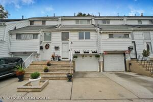 25 Forest Green, Staten Island, NY 10312