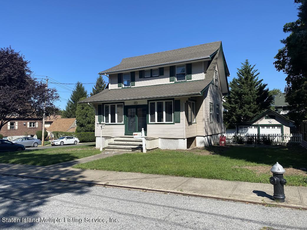 Single Family - Detached in Westerleigh - 257 Potter Avenue  Staten Island, NY 10314
