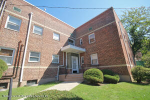 581 Castleton Avenue, 2d, Staten Island, NY 10301