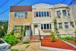 829 W Fingerboard Road, Staten Island, NY 10305