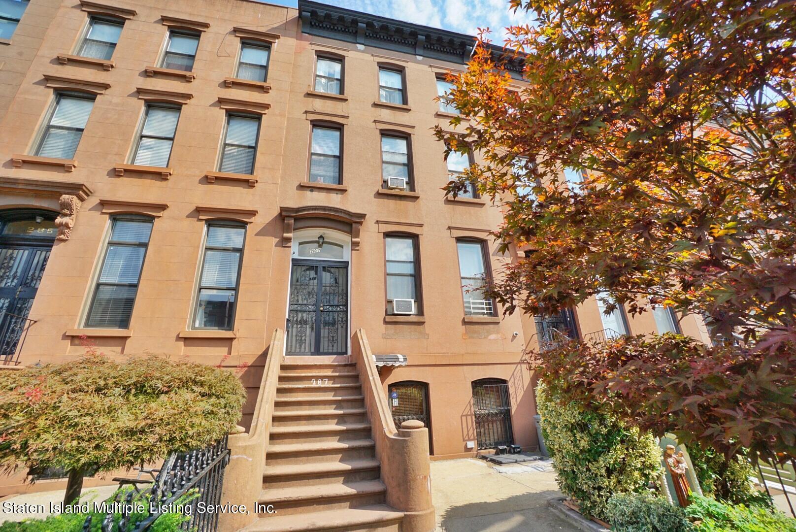 4F in Carroll Gardens - 287 Carroll Street  Brooklyn, NY 11213