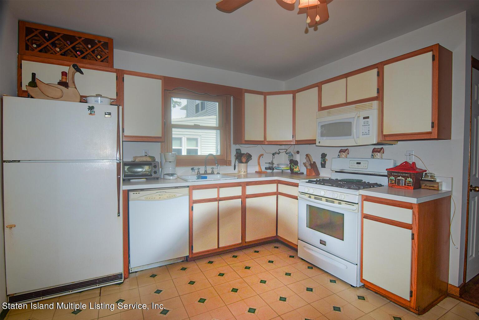 Single Family - Semi-Attached 524 Tennyson Drive  Staten Island, NY 10312, MLS-1149452-6