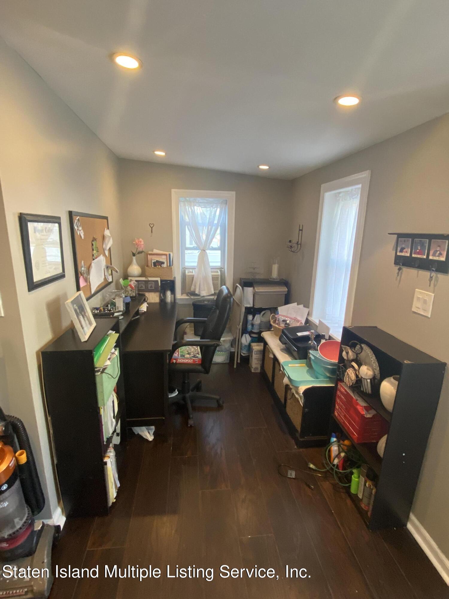 Single Family - Detached 569 Oakland Avenue  Staten Island, NY 10310, MLS-1149608-10