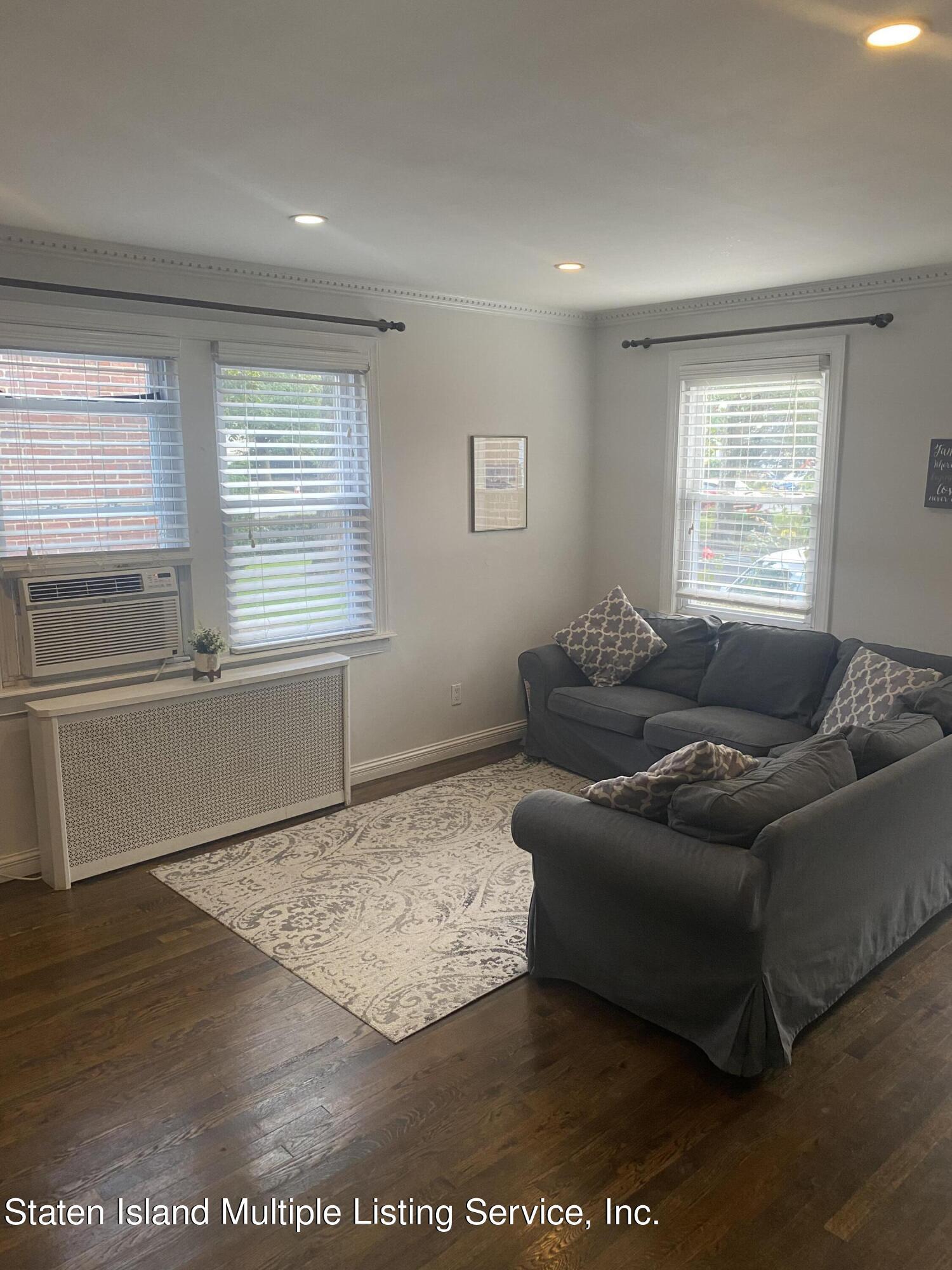 Single Family - Detached 569 Oakland Avenue  Staten Island, NY 10310, MLS-1149608-3