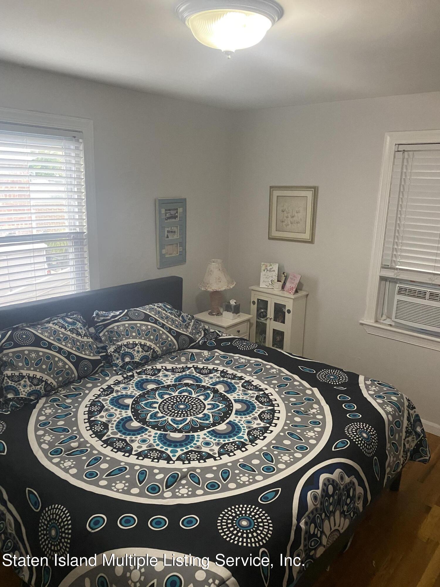 Single Family - Detached 569 Oakland Avenue  Staten Island, NY 10310, MLS-1149608-12