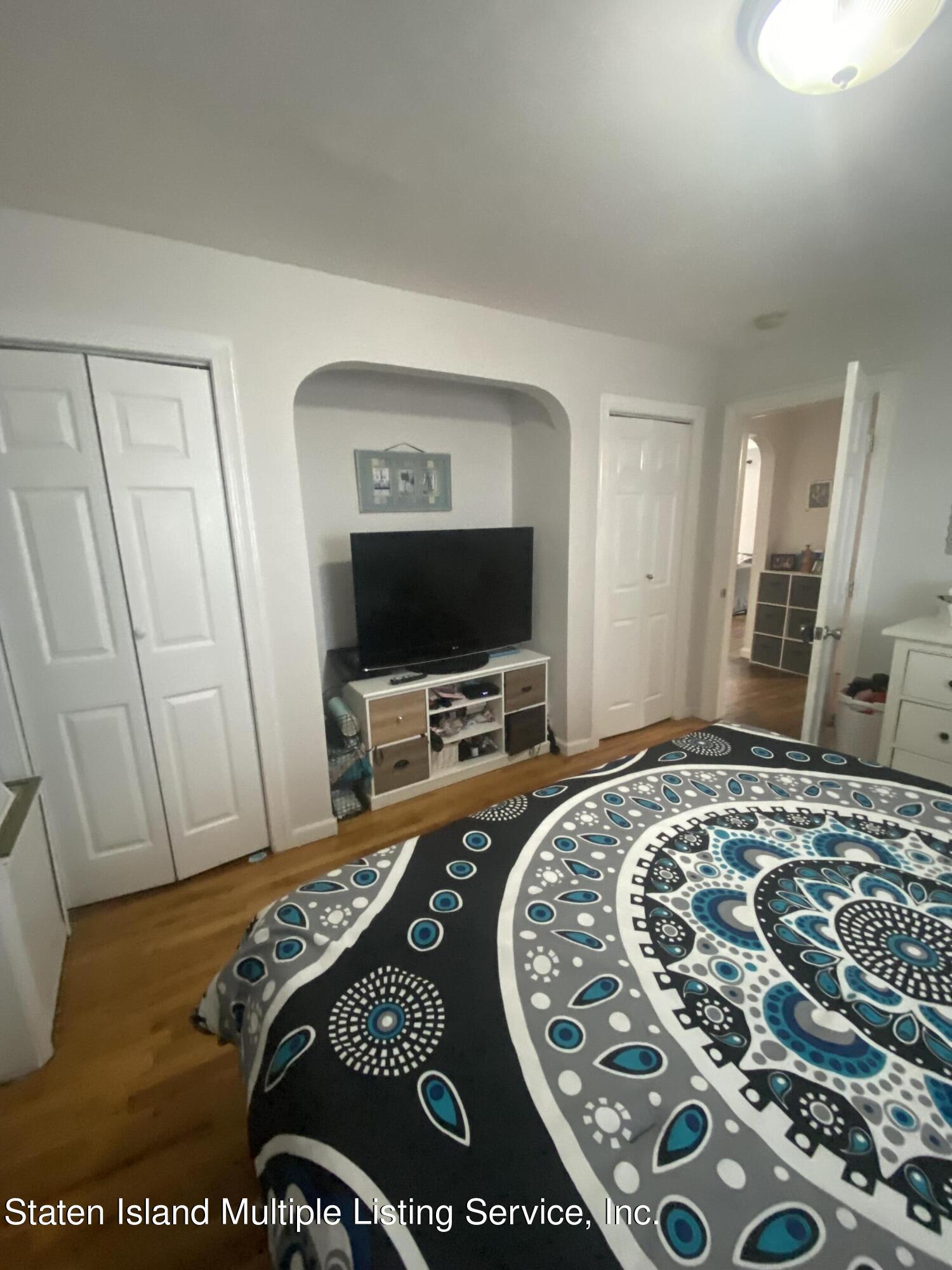 Single Family - Detached 569 Oakland Avenue  Staten Island, NY 10310, MLS-1149608-13