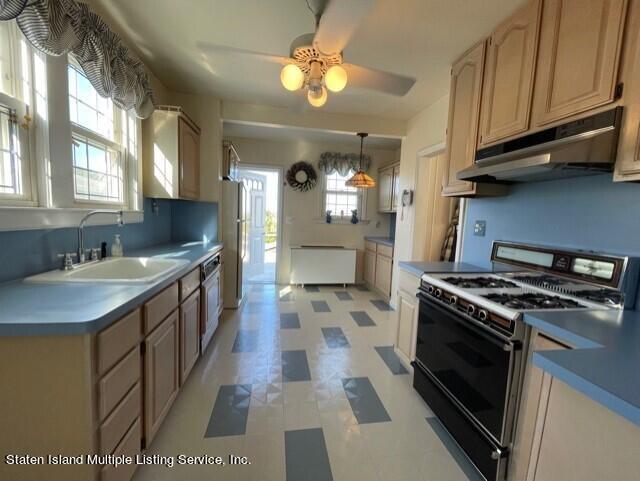 Single Family - Detached 121 Sparkill Avenue  Staten Island, NY 10304, MLS-1149309-11