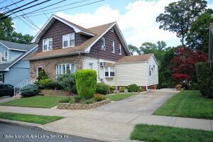 650 Drumgoole Road E, Staten Island, NY 10312