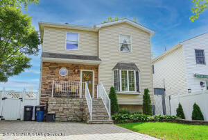 976 Sinclair Avenue, Staten Island, NY 10309