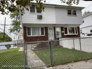 54 Lamport Blvd., Staten Island, NY 10305