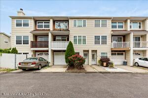 30 Challenger Drive, Staten Island, NY 10312